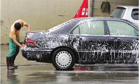 小生意人:洗车工-第1张图片