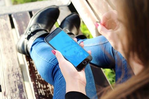 在家可以做什么兼职赚钱?一部手机在家一天赚一百元-第1张图片